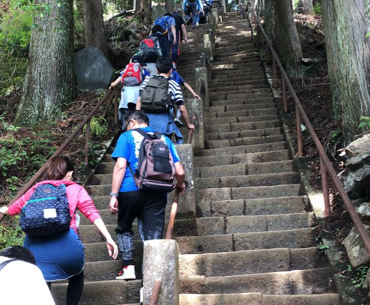 大山登山ルートの階段