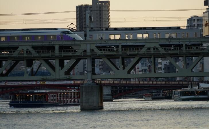 隅田川からみる東武伊勢崎線